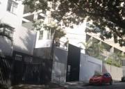 Alugo quarto no bairro Santo Antônio